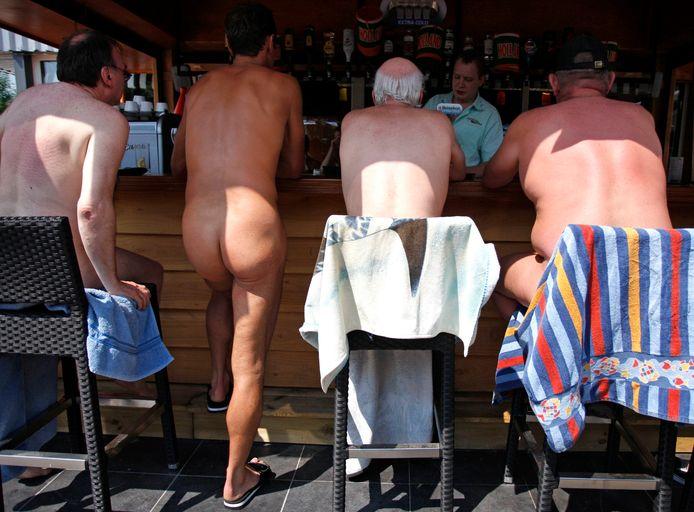 Een plek in Zeewolde waar je als naturist wel welkom bent: camping Flevo Natuur.