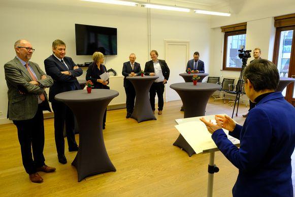 De eedaflegging bij provinciegouverneur Cathy Berx in Antwerpen.