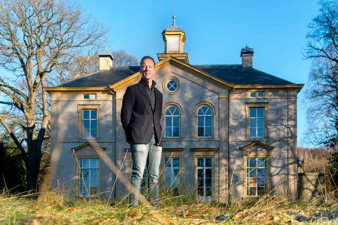 Bernhard ten Brinke bij Villa Rhederhof.