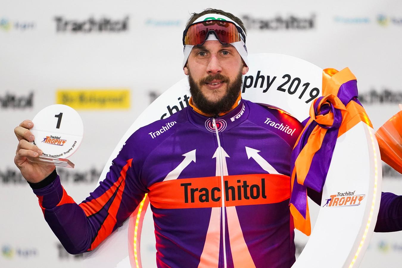 Winnaar Gary Hekman met de krans om na het winnen van de Trachitol Trophy 2019.