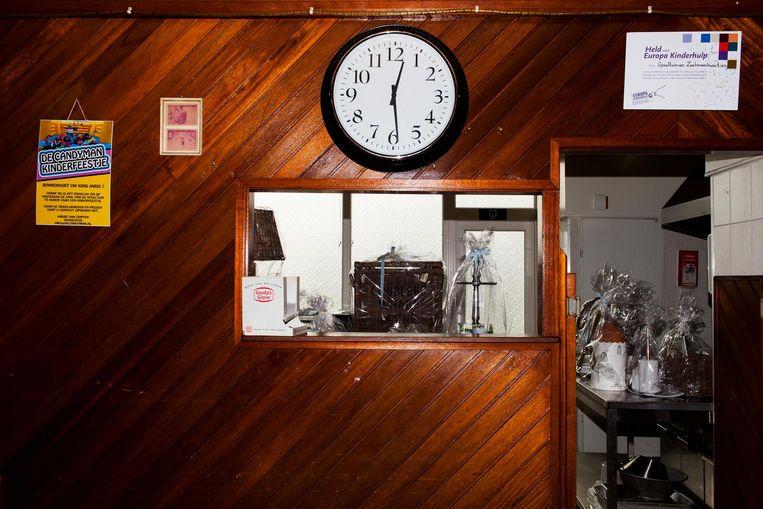 De kantine van de speeltuin in de Dordrechtse wijk Zeehavenkwartier. Beeld Renate Beense