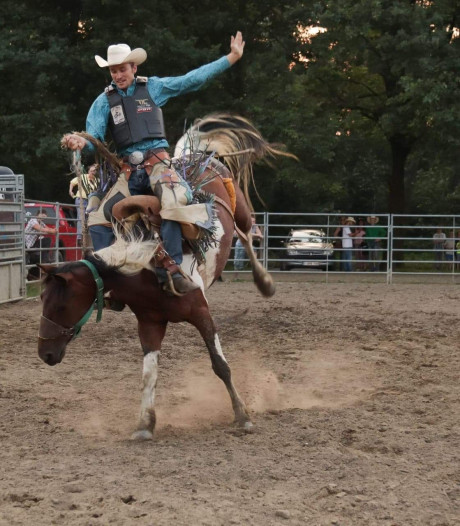 Cowboy Brian Hink uit Helmond wint rodeo wedstrijd