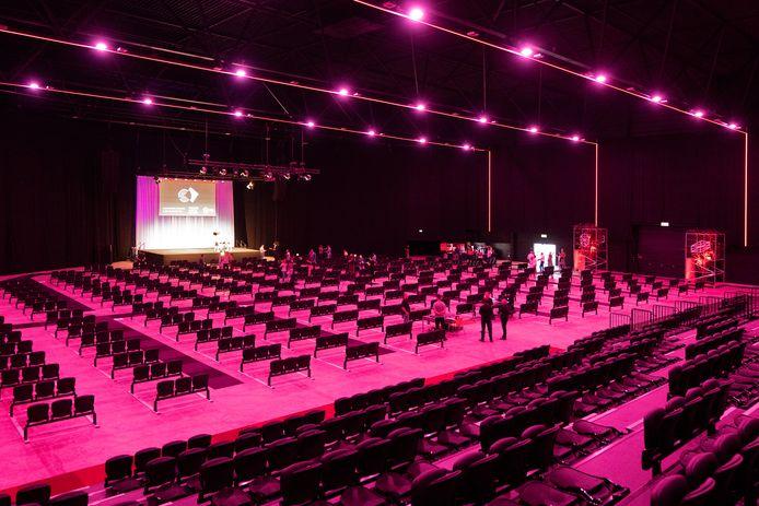Entertainmenthal Mainstage in de Bossche Brabanthallen biedt, met inachtneming van de 1,5 meter afstand, plaats aan maximaal 1.000 man publiek.