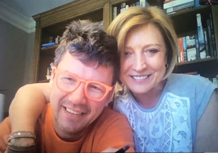 'Bart heeft drie restaurants en hij heeft tachtig mensen moeten ontslaan. Het was vreselijk.' (Foto: met haar man Bart Vandaele.) Beeld HUMO