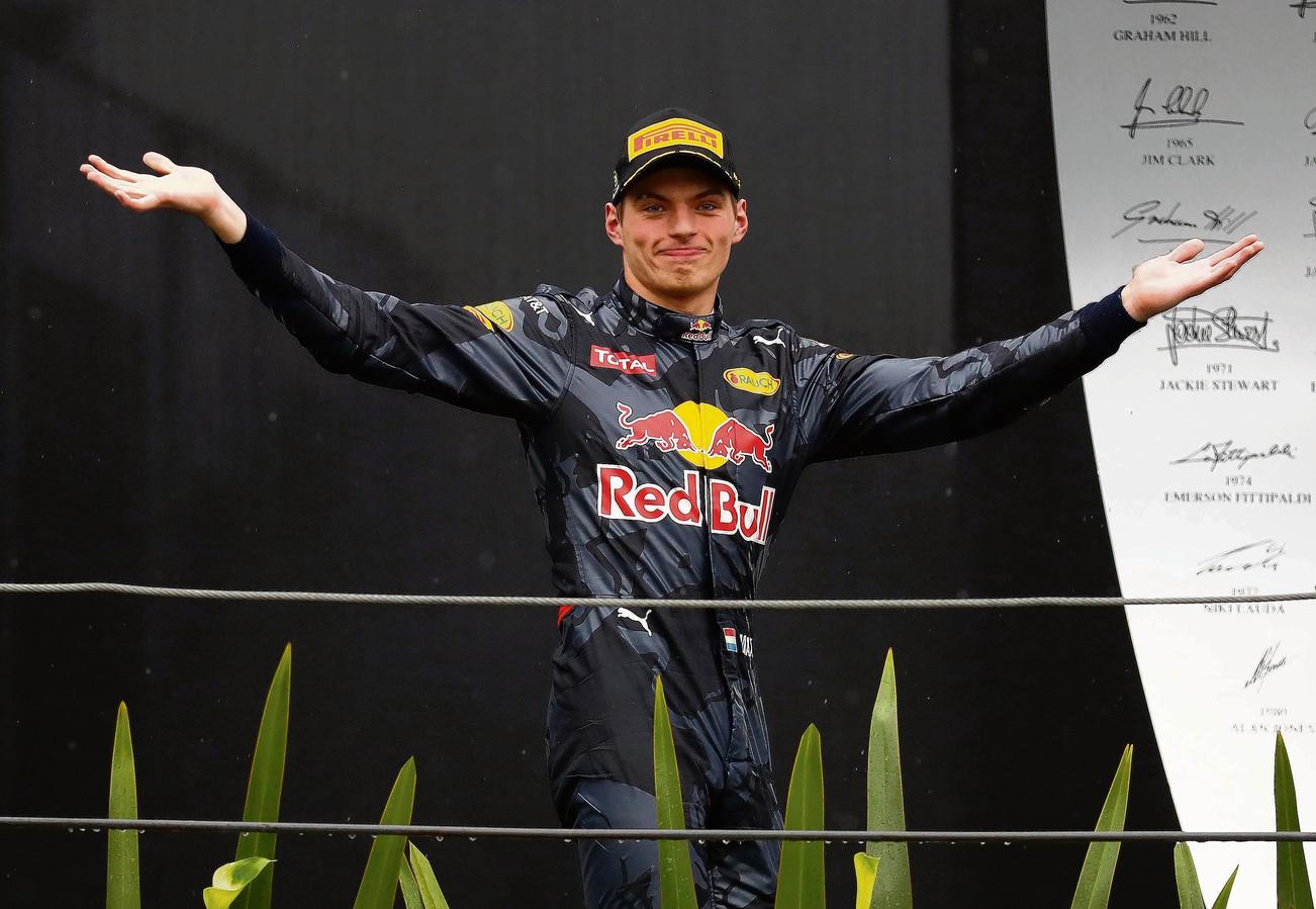 Max Verstappen werd na een magistrale race 'slechts' derde in 2016