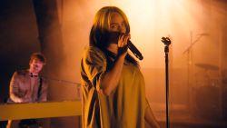 Na maanden uitstel: Bond-song Billie Eilish heeft eindelijk videoclip
