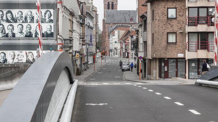 De Budabrug, met de Overleiestraat.
