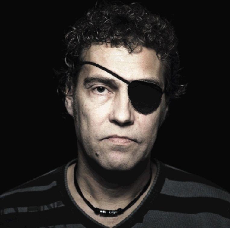 Mike Molanus: 'Mijn oogkas is uit elkaar gespat, mijn jukbeen weggeslagen.' (Trouw) Beeld reyer boxem