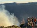 Brandweermannen proberen in februari van dit jaar de brand op de flank van de Mont Aigoual te blussen.