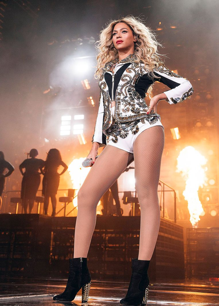 Beyoncé tijdens de Mrs. Carter World Tour op 14 december in St. Louis in de Verenigde Staten. Beeld null