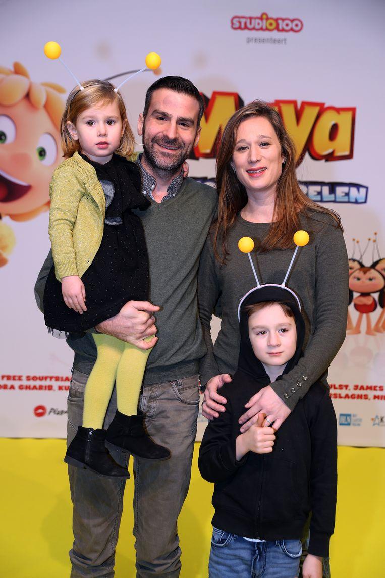 """'Familie'-acteur Jan Van den Bosch kwam kijken met partner Fran, zoon Lou en dochter Sam. """"Vooral de kleinste is grote fan van Maya."""""""
