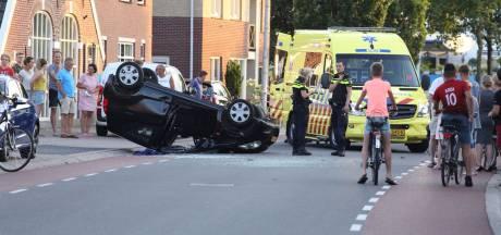 Auto slaat over de kop in Rijssen