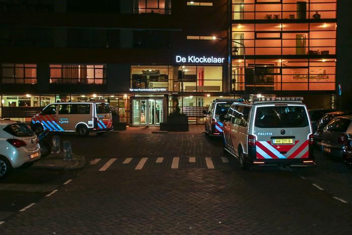 Politie doet onderzoek bij De Klockelaer.