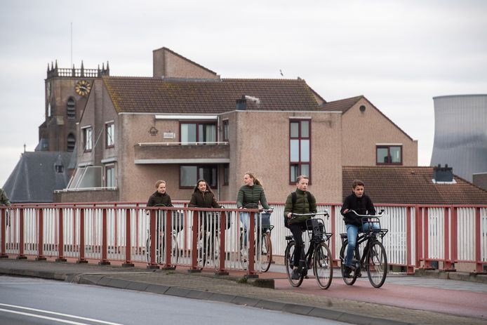 Te veel jeugd doet een beroep op te dure Jeugdhulp, vindt wethouder Mike Hofkens.De zorgkosten rijzen de pan uit in Geertruidenberg.