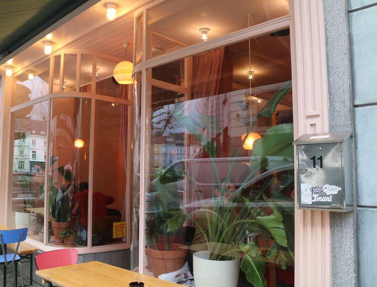De ramenbar Golden Gai in de Dampoortstraat doet het goed.