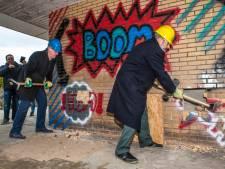 Boom! De sloop van de De Rijkestraat in Gouda-Oost is begonnen
