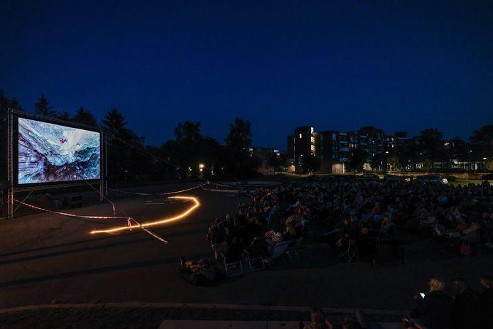 Buitenfilm in het Amphion Park.