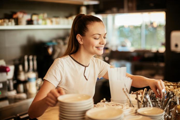 In de horeca is het vacature-aanbod sterk afhankelijk van de seizoenen. Op het moment zijn er in Zeeland flink wat banen in die sector.