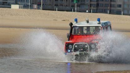 Koppeltje (20) uit zee gered door brandweer na late zwempartij