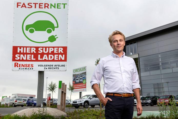 André Renses bereidt zich voor op de toekomst en verkoopt elektrische auto's van alle merken.