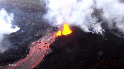 Lava blijft maar stromen op Hawaïaans eiland: twee buurten volledig van de kaart geveegd