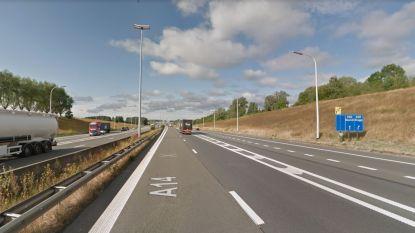 Autosnelweg E17 krijgt nieuw asfalt nabij op- en afrittencomplex Aalbeke