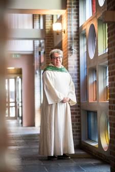 Schijndelse pastor wijdt zich aan dove gelovigen: 'Een nieuwe weg ligt voor mij'