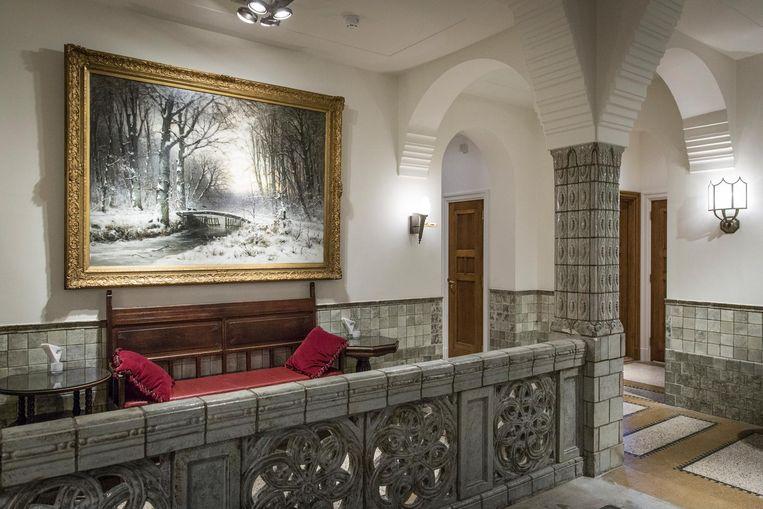 Het Haagse Bos van Louis Apol dat aangeboden werd in 1921. Pas na de restauratie is goed te zien dat het een sneeuwlandschap betreft. Beeld Dingena Mol
